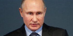 Putin recibe y condecora a la selección rusa en el Kremlin