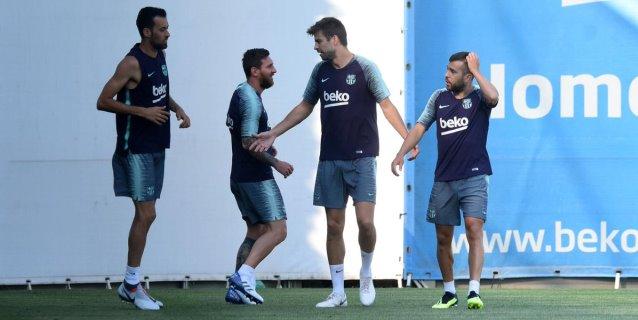 Messi regresa a los entrenamientos en Barcelona