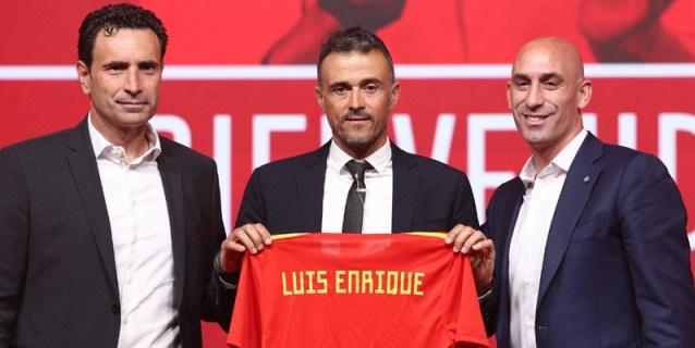 """Luis Enrique promete """"evolución"""" y """"decisiones"""" para una nueva era"""