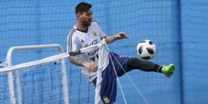 """Jefe de la AFA confía: """"Messi va a seguir, hay que dejarlo tranquilo"""""""