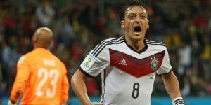 La Federación alemana rechaza acusaciones de racismo de Özil