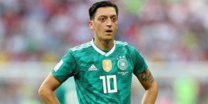Özil anuncia su retiro de la selección alemana con críticas a la DFB