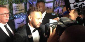 Neymar anuncia que seguirá en Paris Saint-Germain