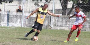 Ex internacional Tulio Maravilha vuelve al fútbol a los 49 años