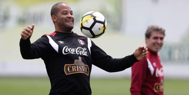 El zaguero Alberto Rodríguez vuelve al Universitario de Deportes de Lima