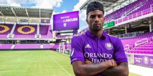 Orlando City adquiere al defensor Carlos Ascues en préstamo
