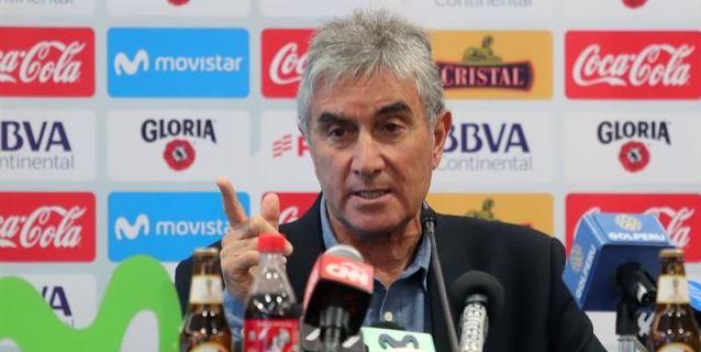 """Oblitas hará """"lo imposible"""" para que Gareca siga como seleccionador de Perú"""