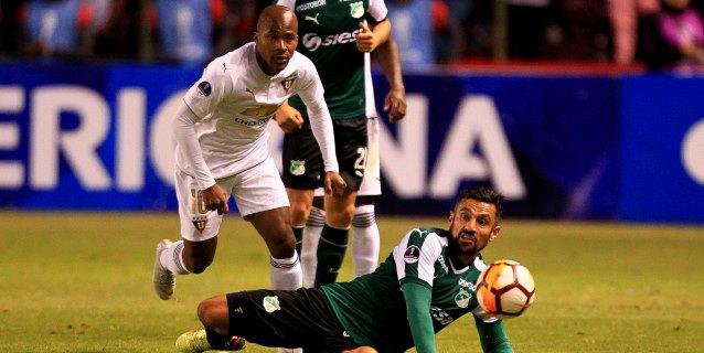San Lorenzo toma ventaja, Liga pega primero y el duelo argentino, en tablas