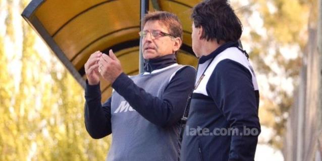 Entrenador argentino demanda por 150.000 dólares a club de Bolivia