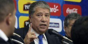 'Bolillo' Gómez asume por segunda vez en Ecuador y dice que la unión será clave