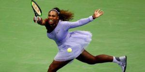 Serena Williams pasa a tercera ronda del Abierto de tenis de EE.UU. y se enfrentará a su hermana Venus