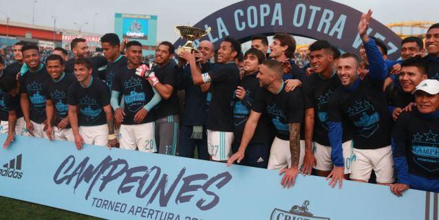 Cristal sacó lustre a su título de campeón al vencer 2-1 a Sport Rosario