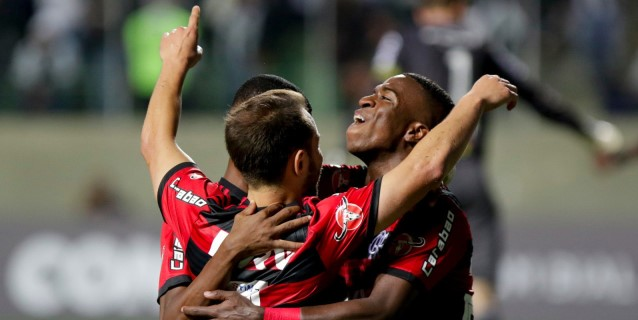 El Flamengo visita al Gremio y se juega el liderato de la liga brasileña