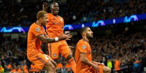 1-2. El Lyon convierte en pesadilla el estreno del City