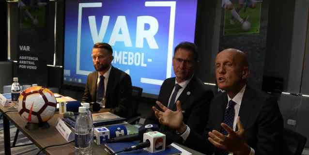 Collina: El Mundial de Rusia demostró que con el VAR el juego no cambió mucho