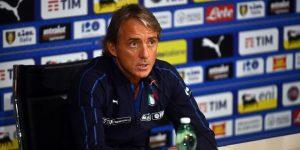 """Mancini pide a los clubes italianos que tengan el """"coraje"""" de alinear a jóvenes"""