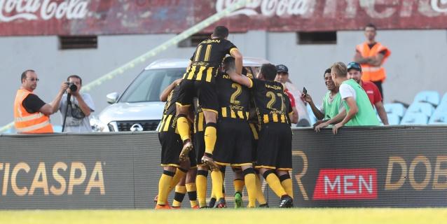Peñarol asume el liderato del Clausura tras la derrota de Nacional ante Wanderers