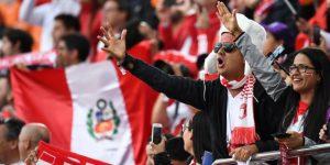 Perú, Japón, Senegal y Sebastián Carrera, candidatos al premio mejor afición