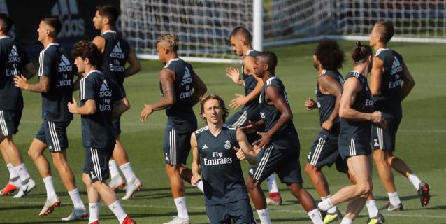 El Real Madrid prepara con toda su plantilla el estreno en Liga de Campeones