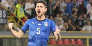 1-1. Un gol de penalti de Jorginho evita la derrota de Italia