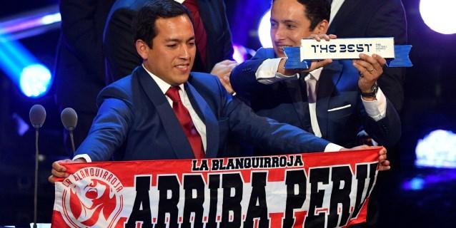 La hinchada de Perú, recompensada con el premio 'The Best' a la mejor afición