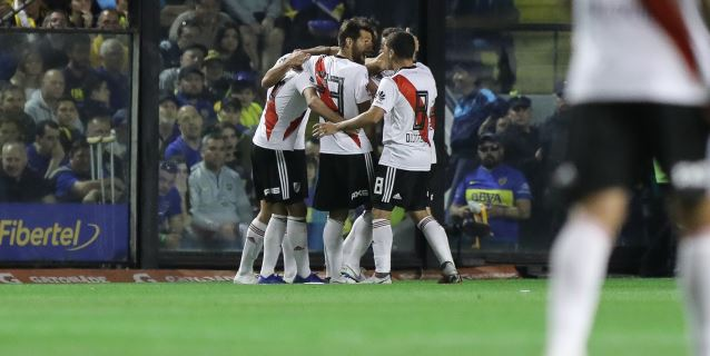 River se quedó con el superclásico y Atlético Tucumán es el nuevo líder