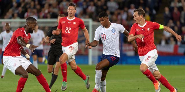 1-0. Rashford aparta a Inglaterra de la depresión