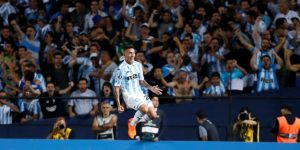 Racing Club pone en juego el liderato ante Argentinos Juniors