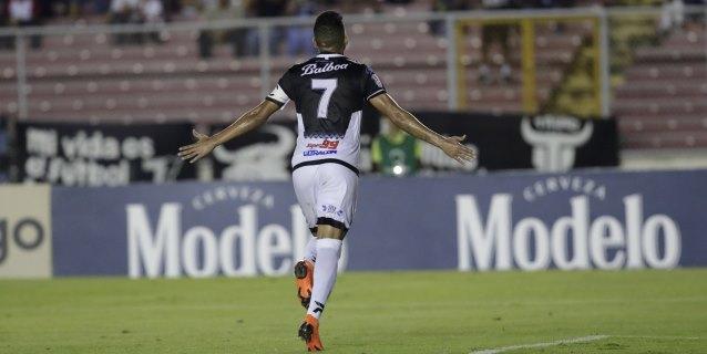 Tauro F.C. gana y escala peldaños en el torneo Apertura del fútbol panameño