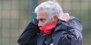 """Mourinho niega encontrarse """"en el alambre"""" antes de medirse con el Valencia"""