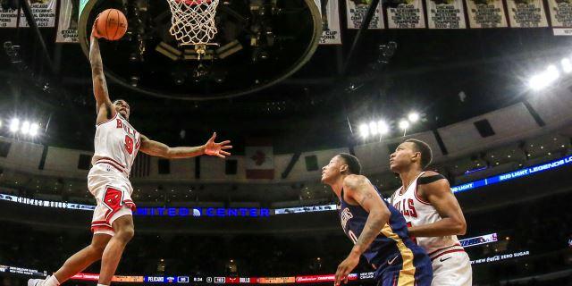 """NBA: """"Juancho"""" y Nuggets estropean debut de James con Lakers; ganan Spurs y Bulls"""