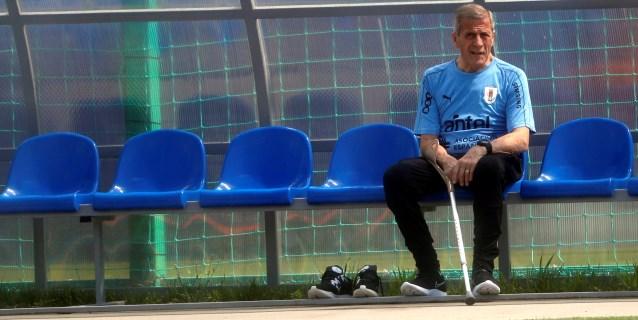 Tabárez recibe reconocimientos Guinness por su trabajo en la selección uruguaya