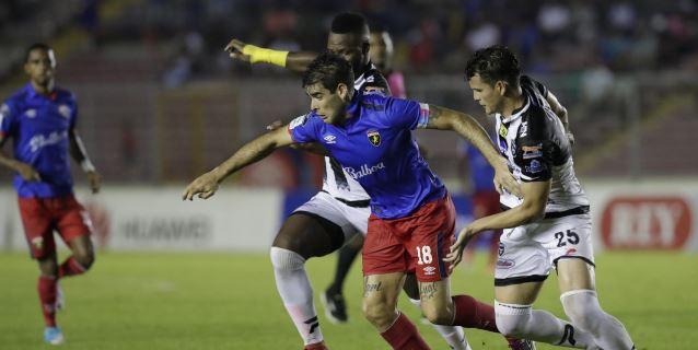 El Clásico del fútbol panameño terminó con desabrido empate a cero