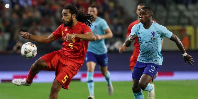 1-1. Bélgica y Holanda firman tablas