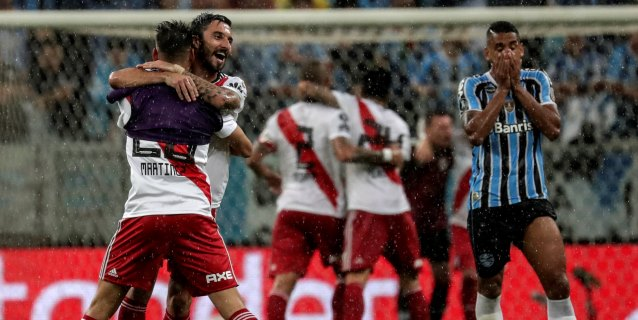1-2. River tumba al campeón Gremio y definirá título con Boca o Palmeiras
