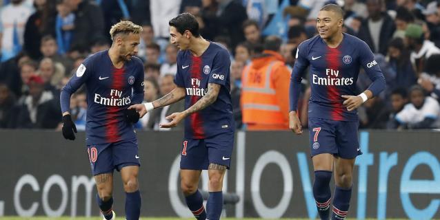 Mbappe da el triunfo en el clásico al PSG, que prolonga su pleno