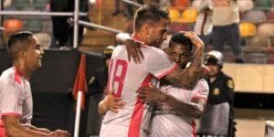 Universitario venció (2-1) a Cristal y se alista para dar el golpe en el Clausura