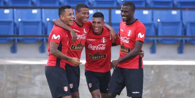 La selección peruana ya entrena con miras a Estados Unidos