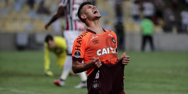 0-2. Paranaense asalta el Maracaná y espera en la final a un rival colombiano
