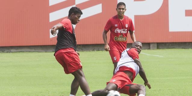 """Araujo espera que ante Costa Rica la selección de Perú tenga """"otra historia"""""""