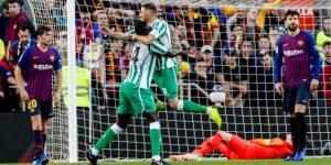 3-4. El Betis asalta el Camp Nou y aprieta la Liga
