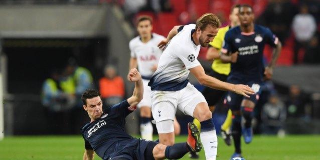 2-1. Kane saca la pólvora para derribar el muro holandés