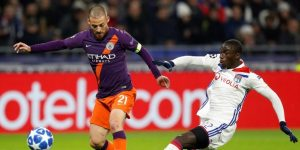 2-2. El City salva un empate ante el Lyon y se mete en octavos