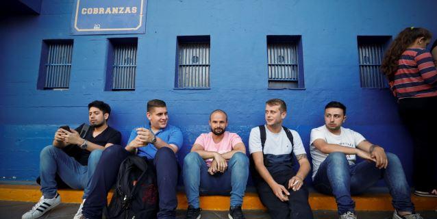 Hinchas de Boca protestan en La Bombonera por venta de boletos para la Libertadores