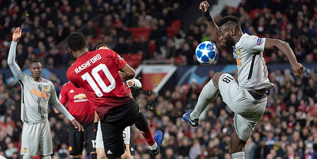 1-0. Fellaini esconde las vergüenzas del United, que estará en octavos