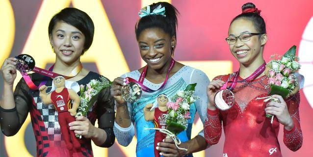 GIMNASIA: Simone Biles hace historia con su cuarto oro mundiales en concurso general