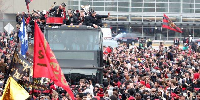 """""""Tata"""" Martino lidera el desfile de celebración-despedida del campeón Atlanta United"""