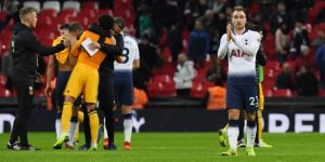El Tottenham se estrella en el cierre del año