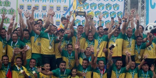 Campeón guatemalteco Guastatoya anuncia continuidad de su técnico Villatoro