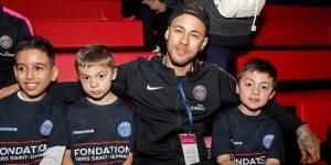 Neymar ya está en Brasil para pasar las navidades con permiso del club